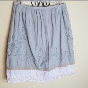 Ann Taylor Loft skirt sz 2P embroidered  and lace